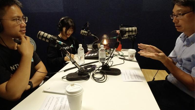 《 TEC Talk EP 03. 》從高中老師轉職創業家,永遠不要低估上班時的人脈:專訪「女媧創造」創辦人郭柳宗 Leo